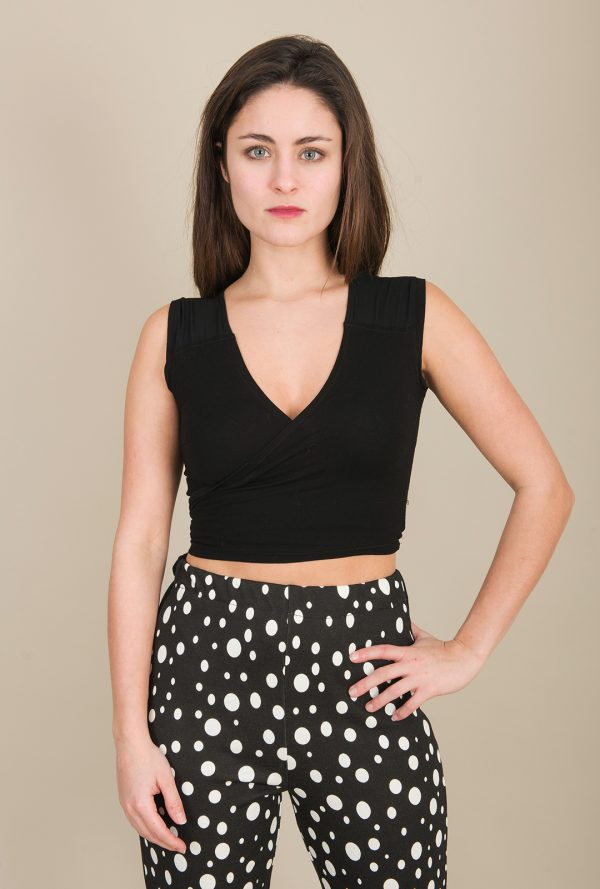 Short Wrapping Top Black
